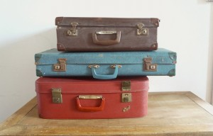 Fabulous vintage suitcases to use as props or for cards/gift boxes and general styling 6 available.