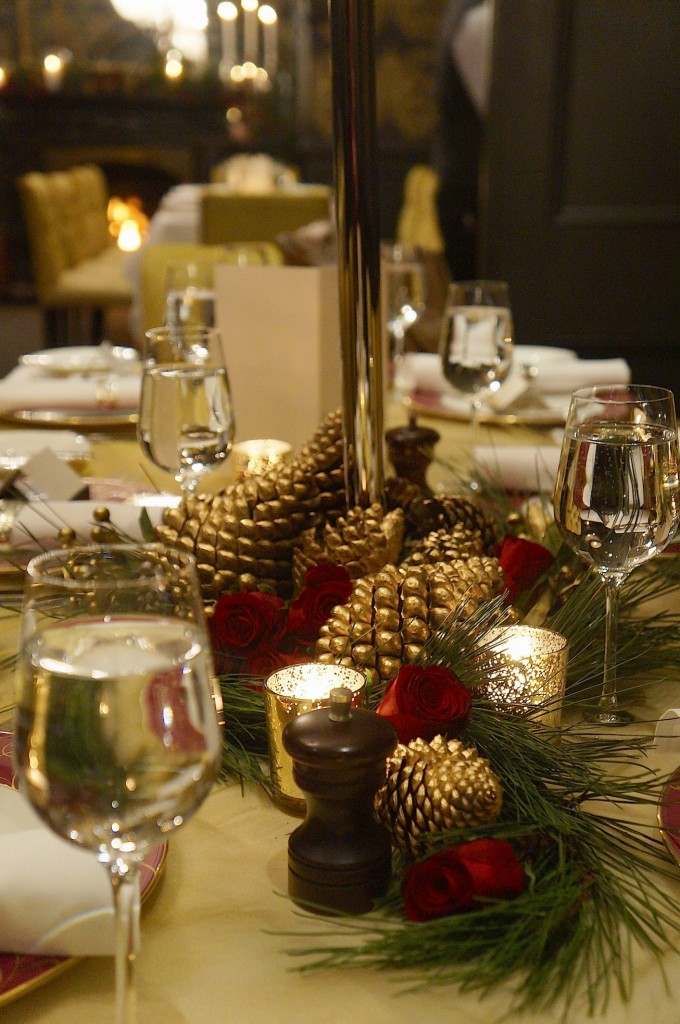 sml Table styling christmas in july darleys blue mountains
